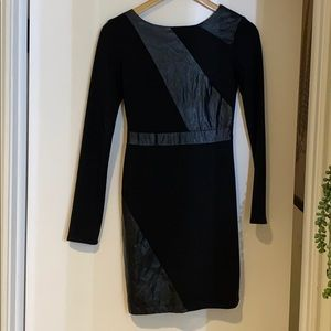 Longsleeve Black Mini Dress